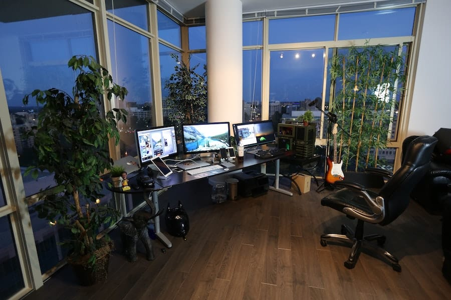 How To Build The Perfect Minimalist Home Office